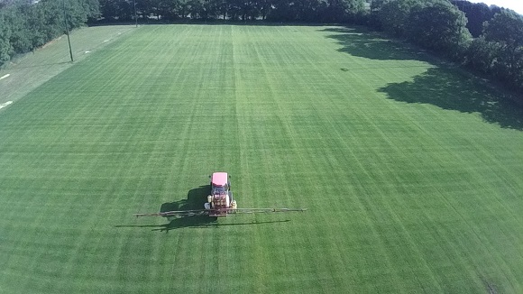 Woodward-Turf-Care-Applying-Liquid-Fertiliser.jpg